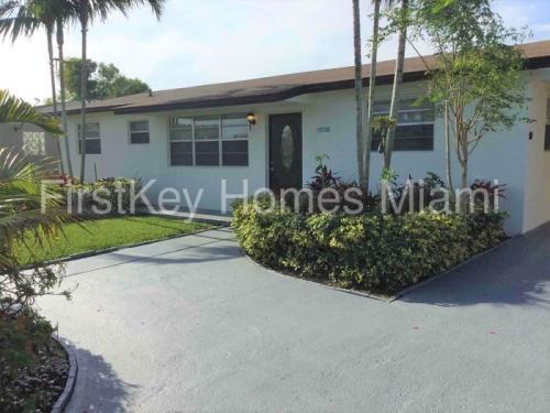 15530 SW 295th Terrace Photo 1