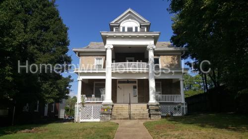 813 13th Street SW #1 Photo 1
