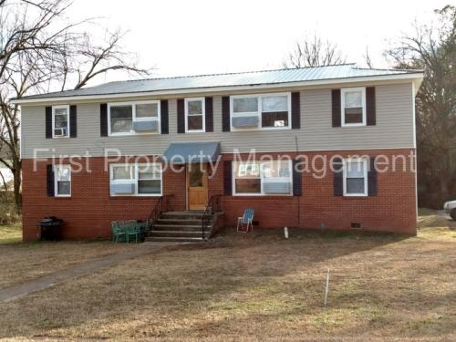 18 Meadowbrook Drive W Photo 1