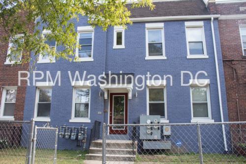 1635 W Virginia Avenue NE #1 Photo 1