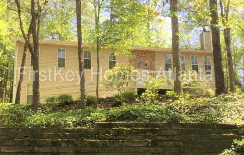 3954 Rock Mill Parkway Photo 1