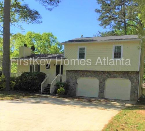 1705 Olde Oak Drive Photo 1