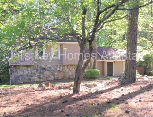 4005 Rock Mill Parkway Photo 1