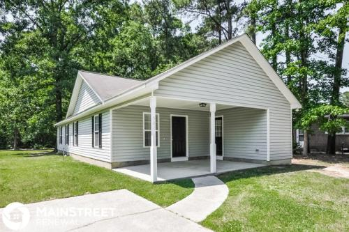 501 Oak Street Photo 1