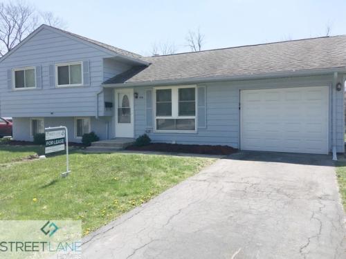 216 E Maple Drive Photo 1