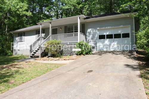 6880 Summer Hill Drive Photo 1