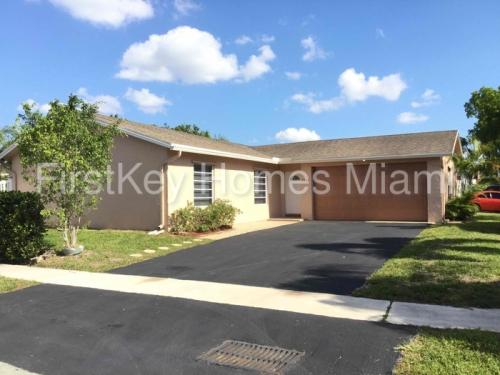 2366 NW 110th Terrace Photo 1
