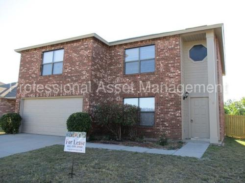 3401 Chapel Pointe Trail Photo 1