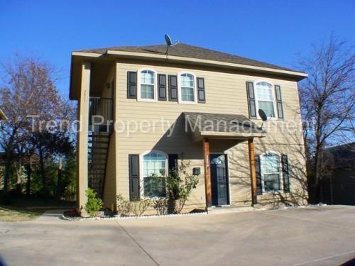 2811 Wayside Avenue Photo 1