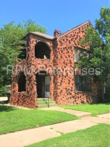 1413 N Youngs Boulevard Photo 1
