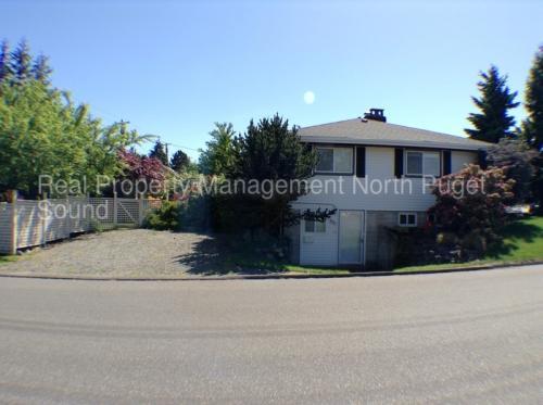 901 Colby Avenue #B Photo 1