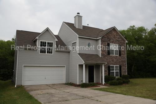 5851 Brookfield Pointe Drive Photo 1