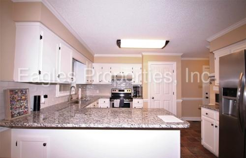 157 S Marion Drive Photo 1