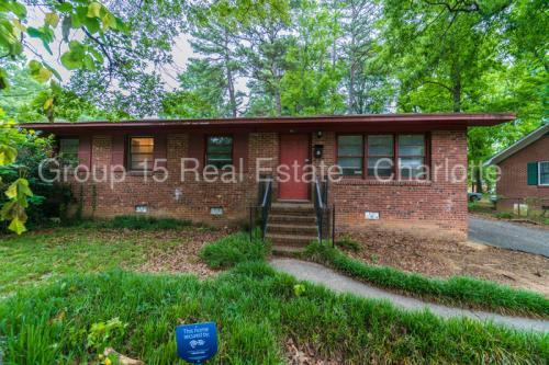 4811 Hidden Valley Road Photo 1