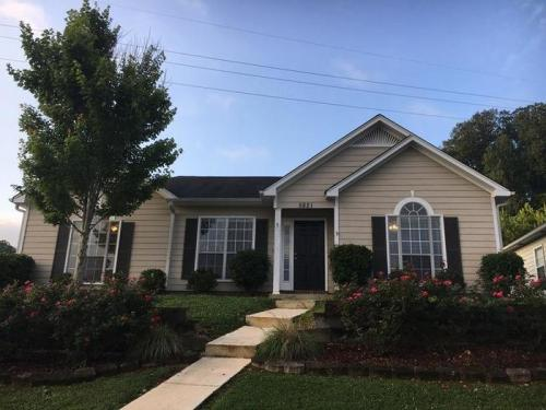 5821 Marchester Circle Photo 1