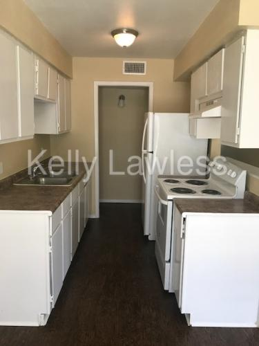 916 Isbell Road #4 Photo 1