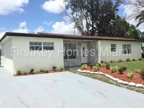 3011 NW 184th Street Photo 1