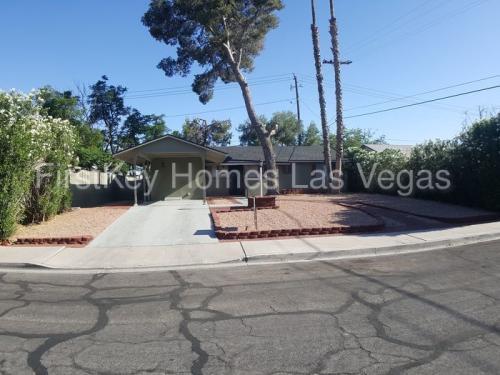 1804 E Brady Avenue Photo 1