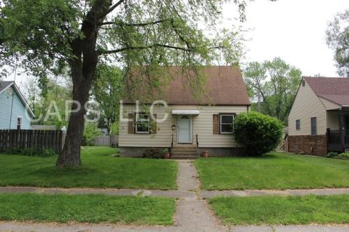 241 Oakwood Photo 1