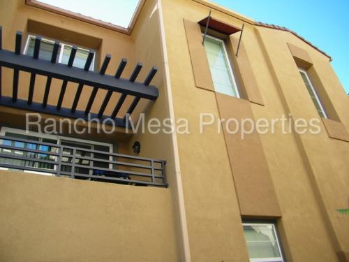 2813 Escala Circle Photo 1