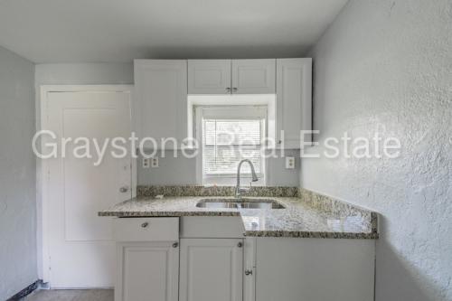 613 Plateau Avenue Photo 1
