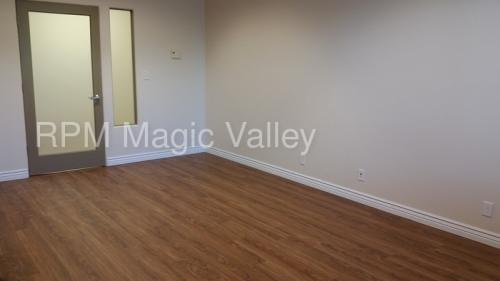 139 River Vista Place Photo 1