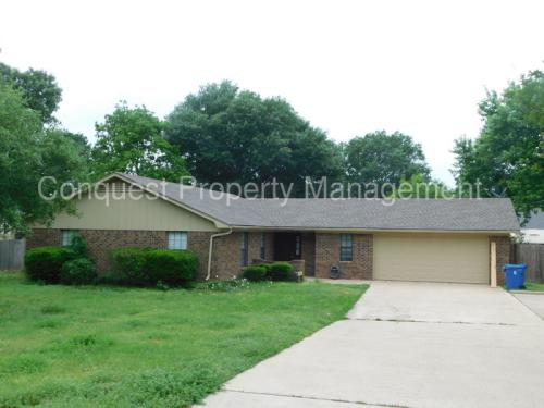 808 Corey Drive Photo 1