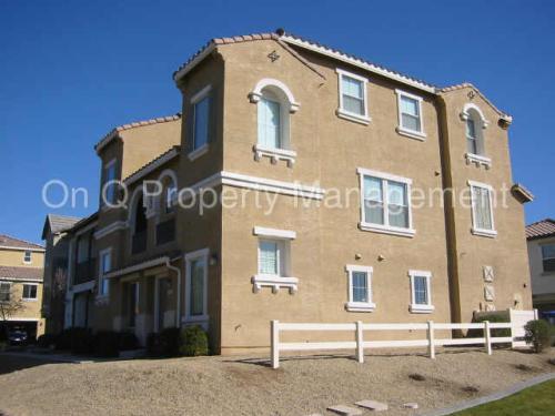 424 N Oak Street Photo 1