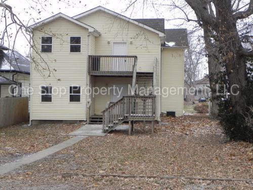 133 E Elm Street Photo 1