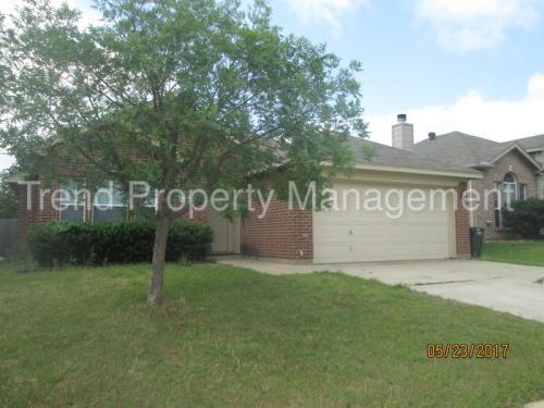 4928 Spur Ridge Court Photo 1