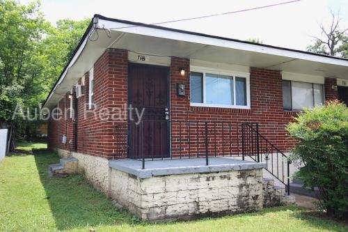 718 Dodson Avenue Photo 1