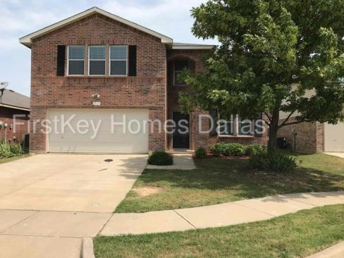 1737 Baxter Springs Drive Photo 1
