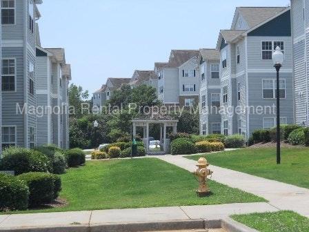 186 University Village Drive #E Photo 1