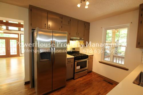 5730 Cains Cove Road #200 Photo 1