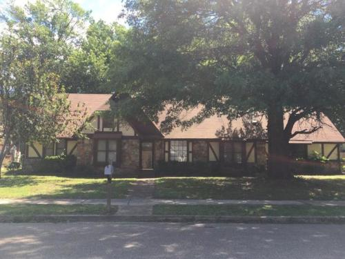 5720 Remsen Avenue Photo 1