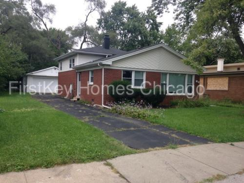 14 E Sibley Boulevard Photo 1