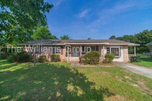 6102 Lexington Drive Photo 1