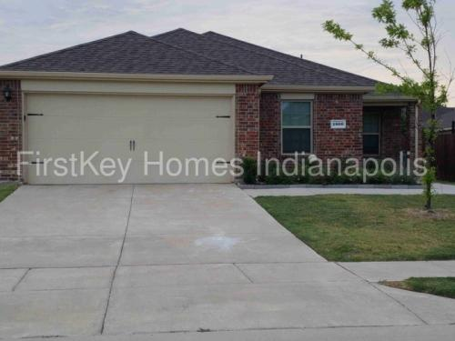 1800 Arbordale Way Photo 1