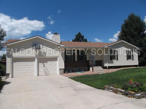 6040 Eagles Nest Court Photo 1