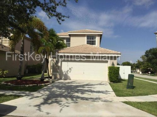 3118 SW 176th Way Photo 1