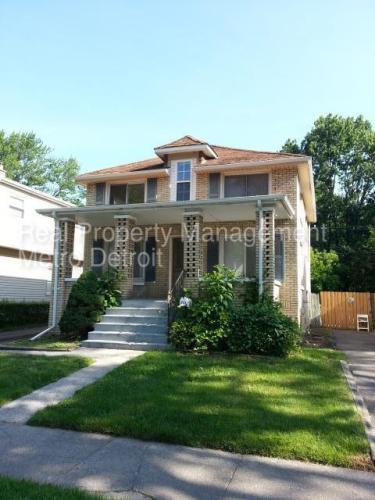 343 E Meyers Avenue Photo 1