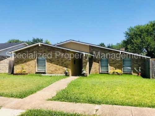 4220 Woodbluff Drive Photo 1