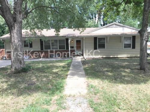 5845 Long Avenue Photo 1