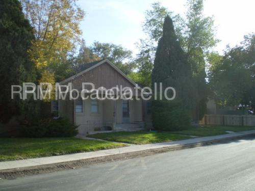 1696 N Garfield Avenue Photo 1
