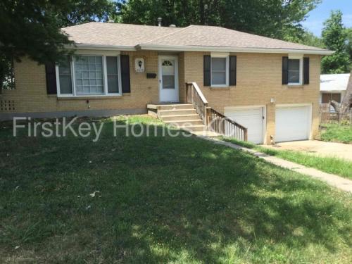 4014 S Delaware Avenue Photo 1