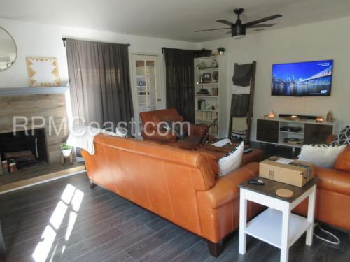2715 W Glenwood Place Photo 1