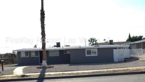 213 Hillcrest Drive Photo 1