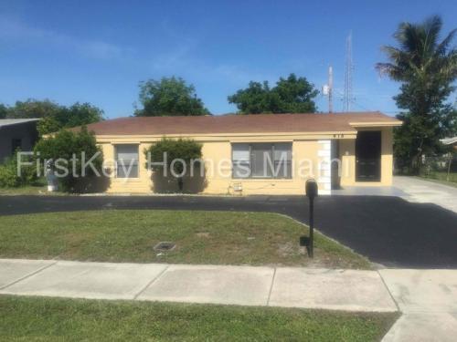 418 SW 15th Avenue Photo 1