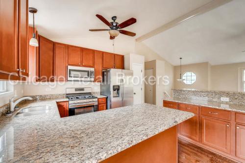 38611 Lincoln Avenue Photo 1