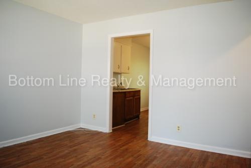 5314 Clearmont Avenue Photo 1